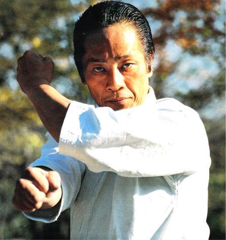 Тецухико Асай